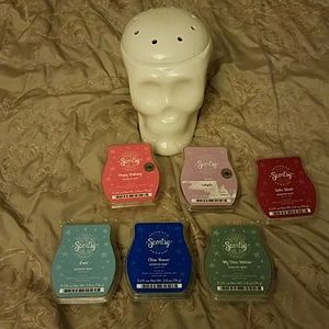Scentsy bundle and skull warmer